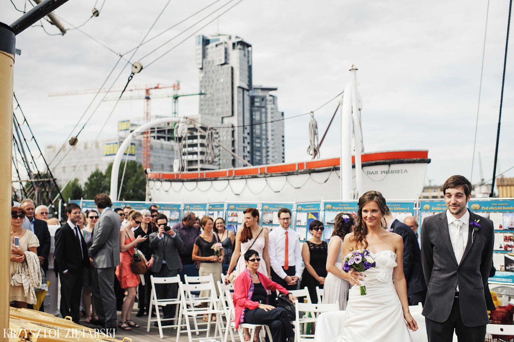 Gosia i Gabriele - Fotografia ślubna Gdynia - Dar Pomorza, Gościniec dla Przyjaciół Wyczechowo, Sea Towers - 15.
