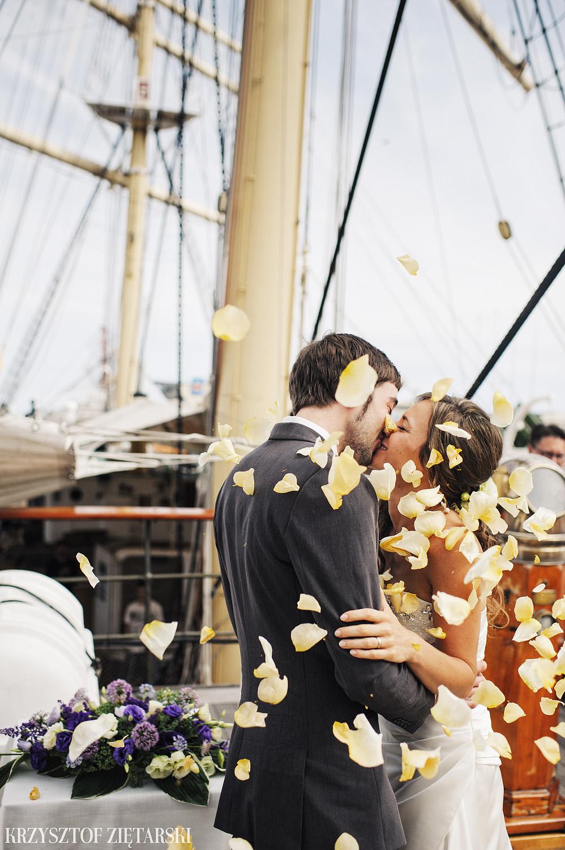 Gosia i Gabriele - Fotografia ślubna Gdynia - Dar Pomorza, Gościniec dla Przyjaciół Wyczechowo, Sea Towers - 26.