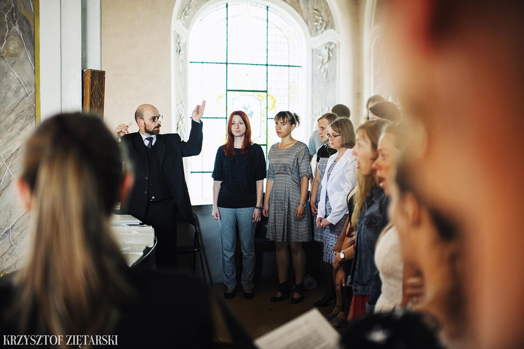 Justyna i Konrad - Fotografia ślubna Gdańsk, Kościół św.Ignacego Stare Szkoty, Restauracja Tabun Otomin - 11.