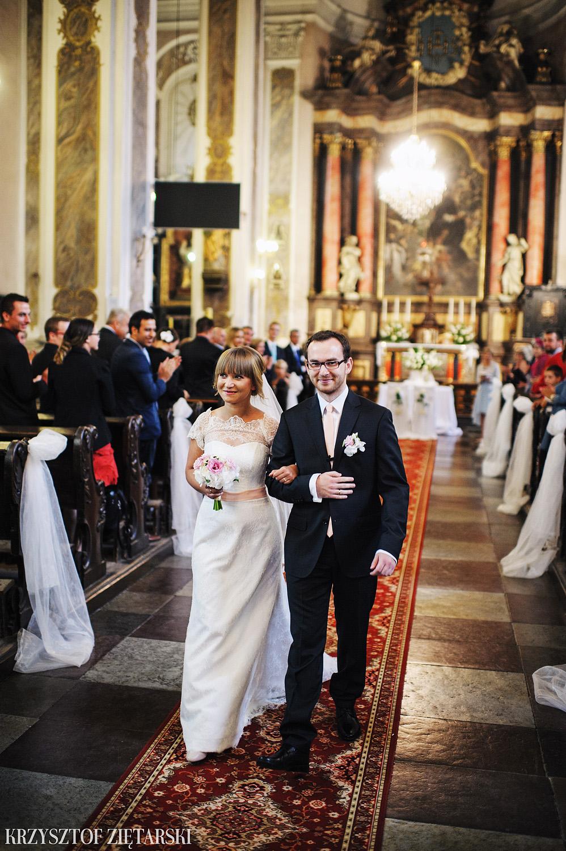 Justyna i Konrad - Fotografia ślubna Gdańsk, Kościół św.Ignacego Stare Szkoty, Restauracja Tabun Otomin - 18.