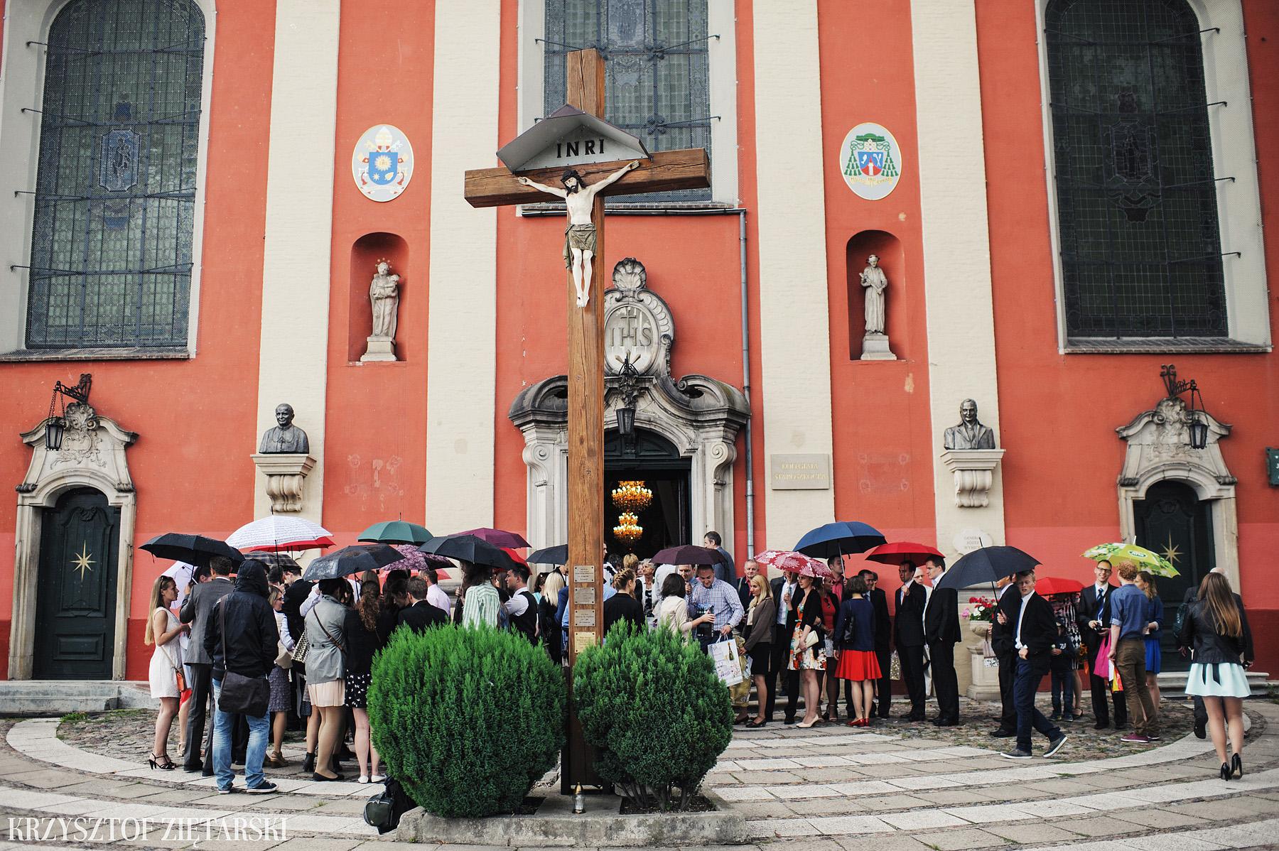 Justyna i Konrad - Fotografia ślubna Gdańsk, Kościół św.Ignacego Stare Szkoty, Restauracja Tabun Otomin - 21.