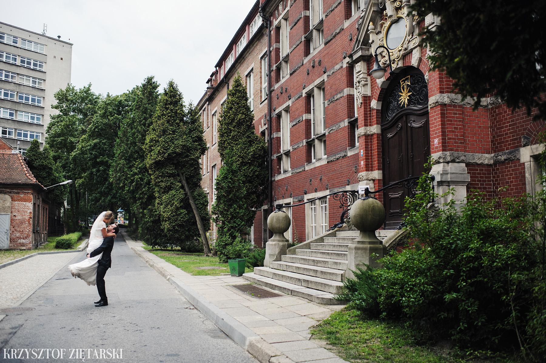 Justyna i Konrad - Fotografia ślubna Gdańsk, Kościół św.Ignacego Stare Szkoty, Restauracja Tabun Otomin - 86.