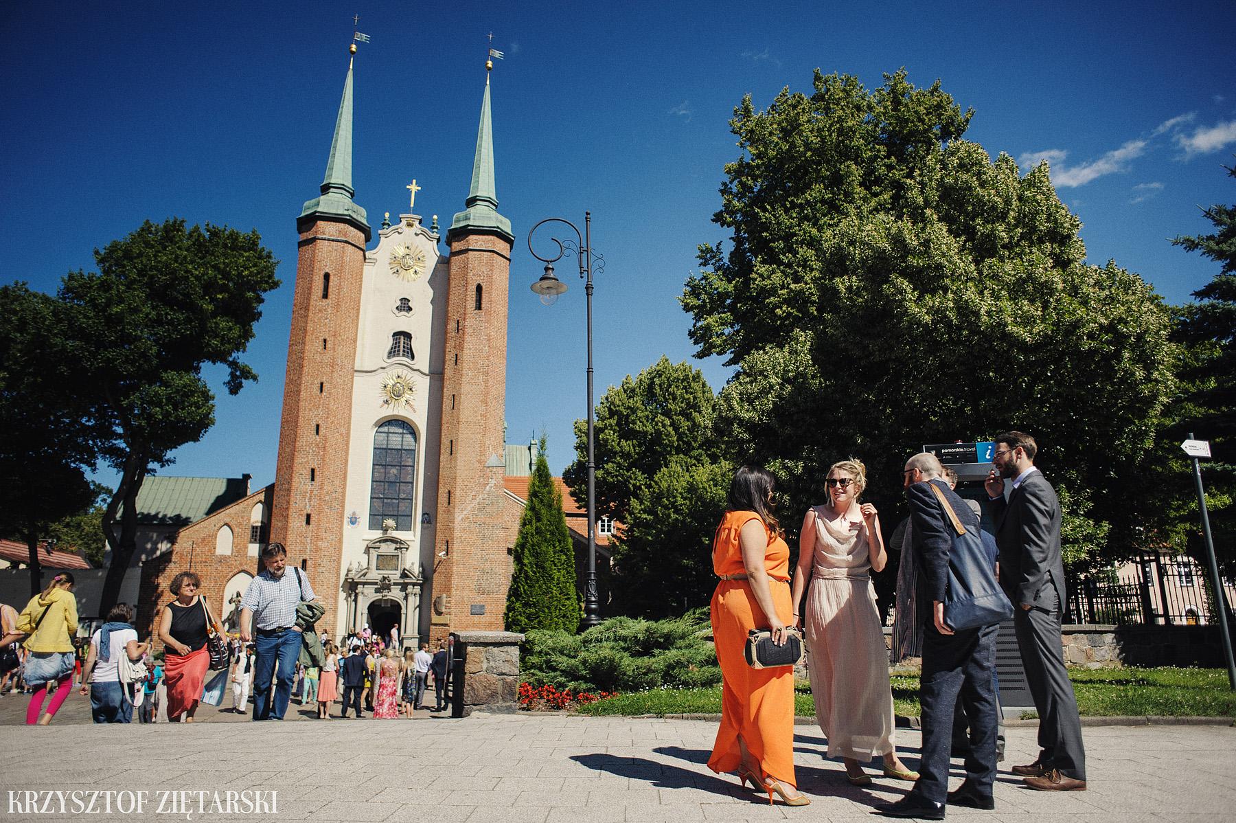 Marysia i Ollie - Fotografia ślubna Gdańsk, Katedra Oliwska, wesele Hotel Mera Sopot, plener Gdynia Orłowo - 8.