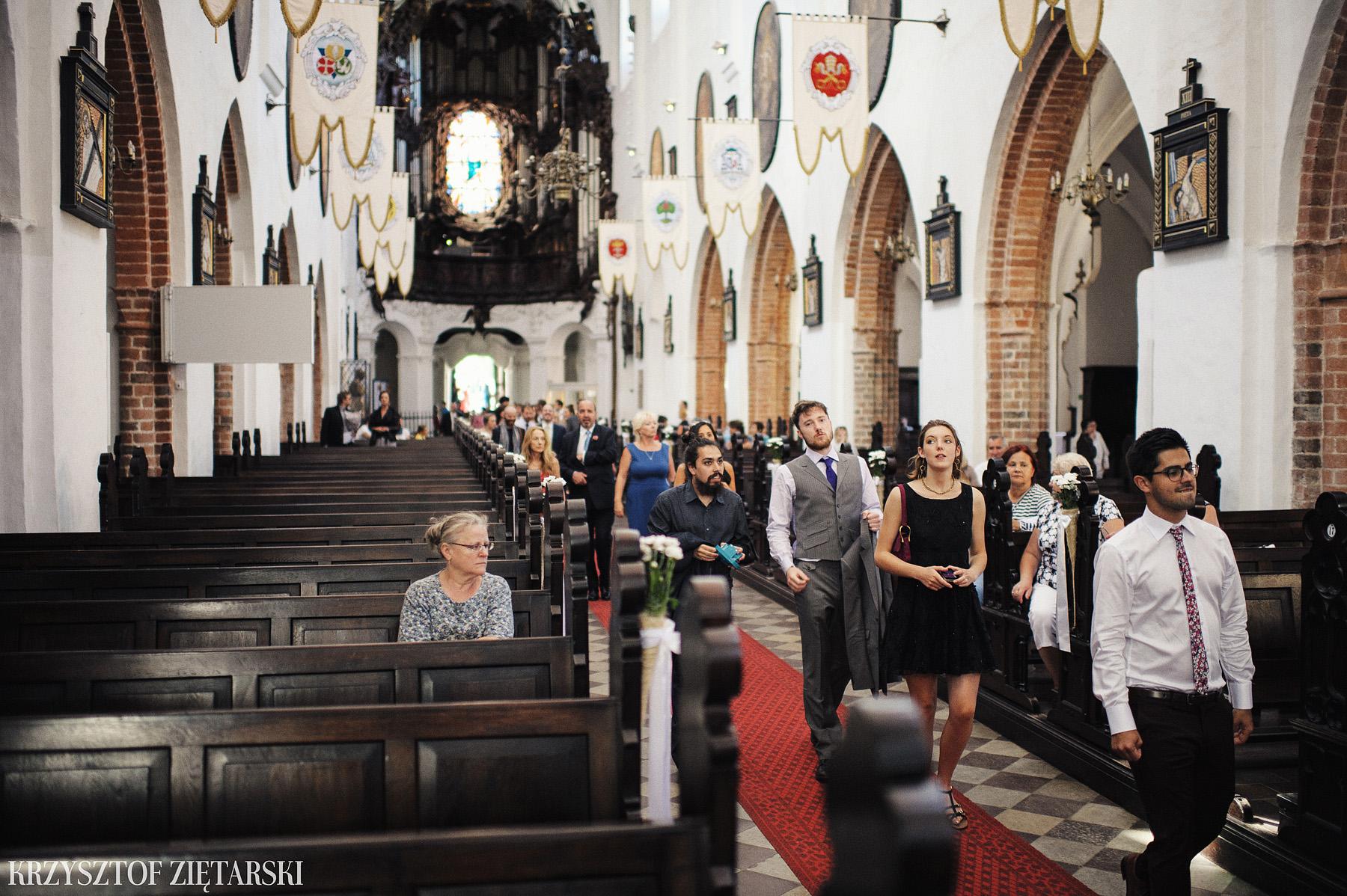 Marysia i Ollie - Fotografia ślubna Gdańsk, Katedra Oliwska, wesele Hotel Mera Sopot, plener Gdynia Orłowo - 9.