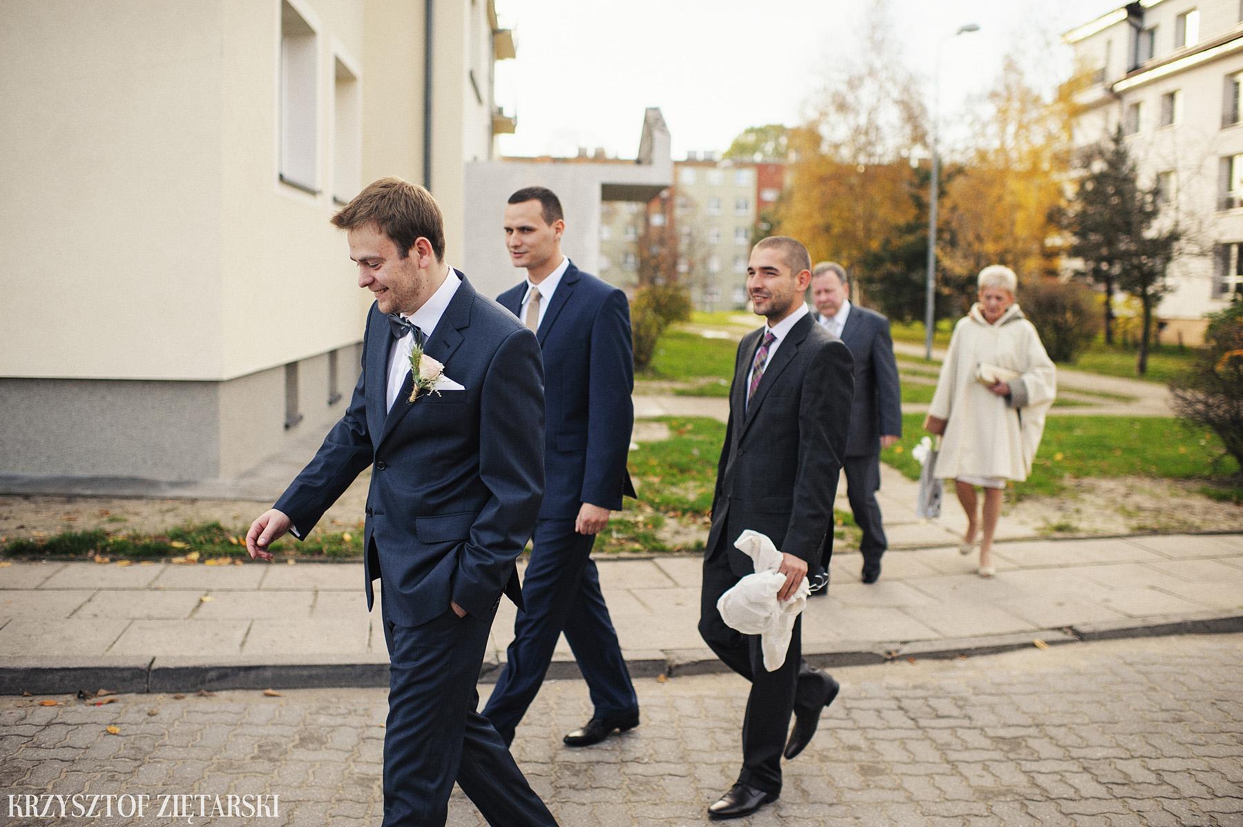 Agnieszka i Jacek - Fotografia ślubna Słupsk, kościół NSJ, wesele Gościniec Młyn Słupski, plener ślubny w Gdyni - 9.