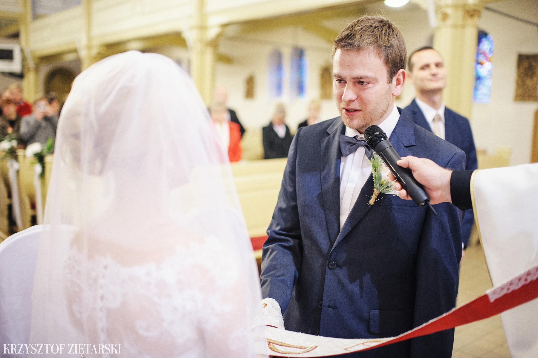 Agnieszka i Jacek - Fotografia ślubna Słupsk, kościół NSJ, wesele Gościniec Młyn Słupski, plener ślubny w Gdyni - 17.