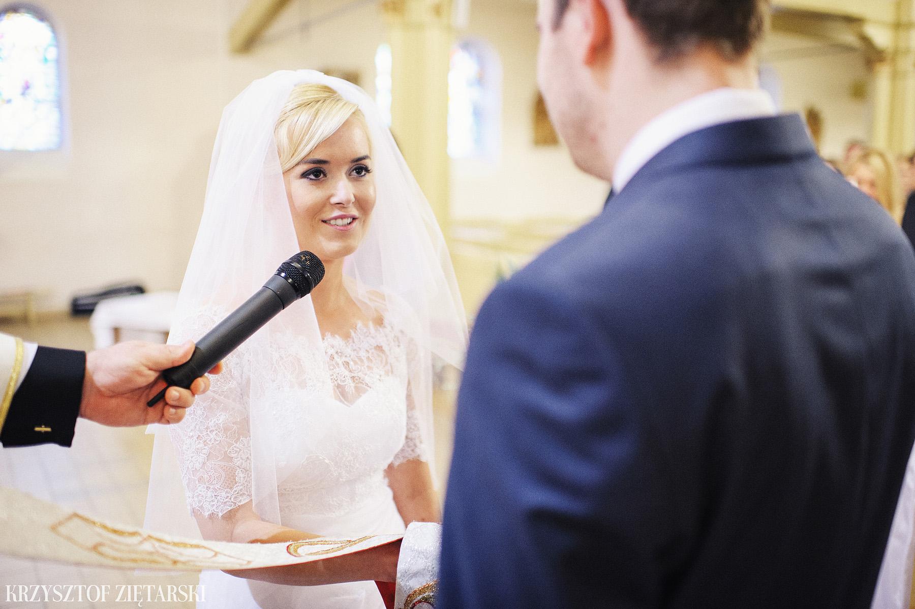 Agnieszka i Jacek - Fotografia ślubna Słupsk, kościół NSJ, wesele Gościniec Młyn Słupski, plener ślubny w Gdyni - 18.