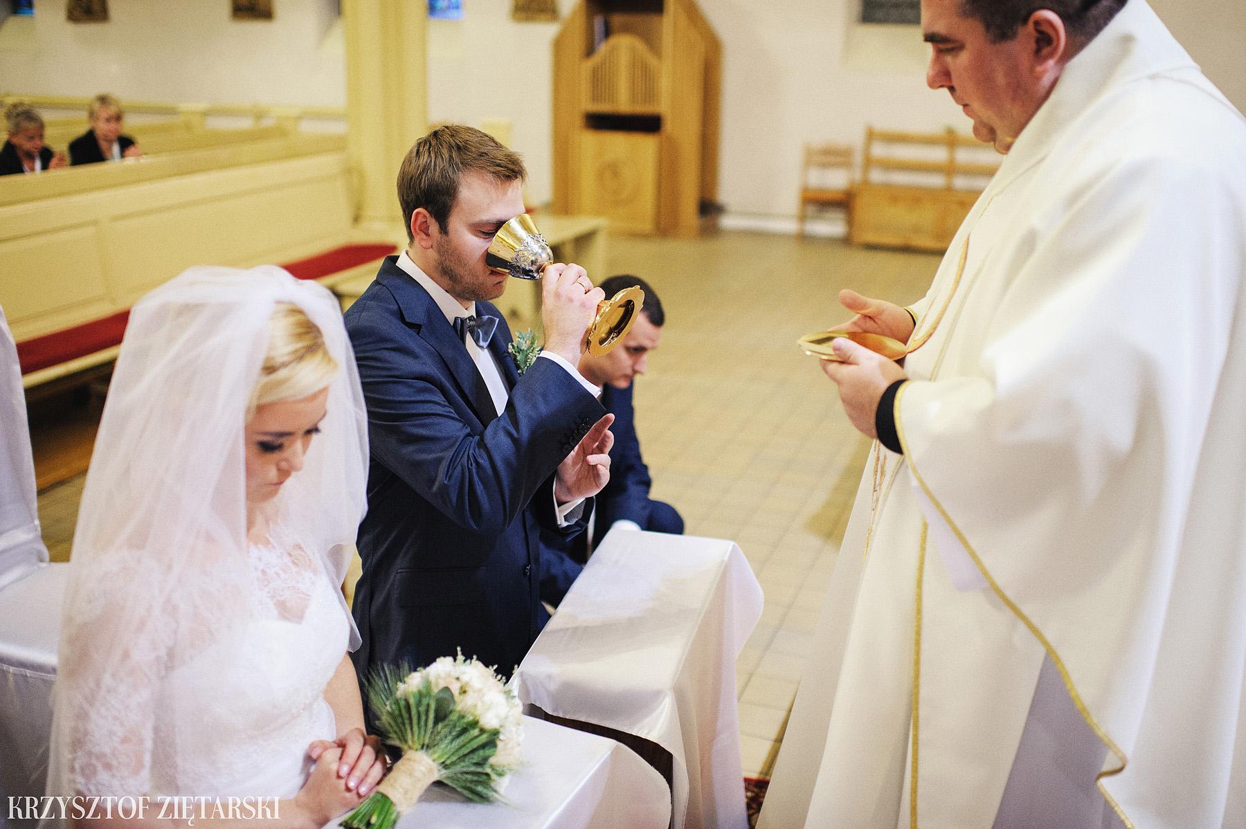 Agnieszka i Jacek - Fotografia ślubna Słupsk, kościół NSJ, wesele Gościniec Młyn Słupski, plener ślubny w Gdyni - 21.
