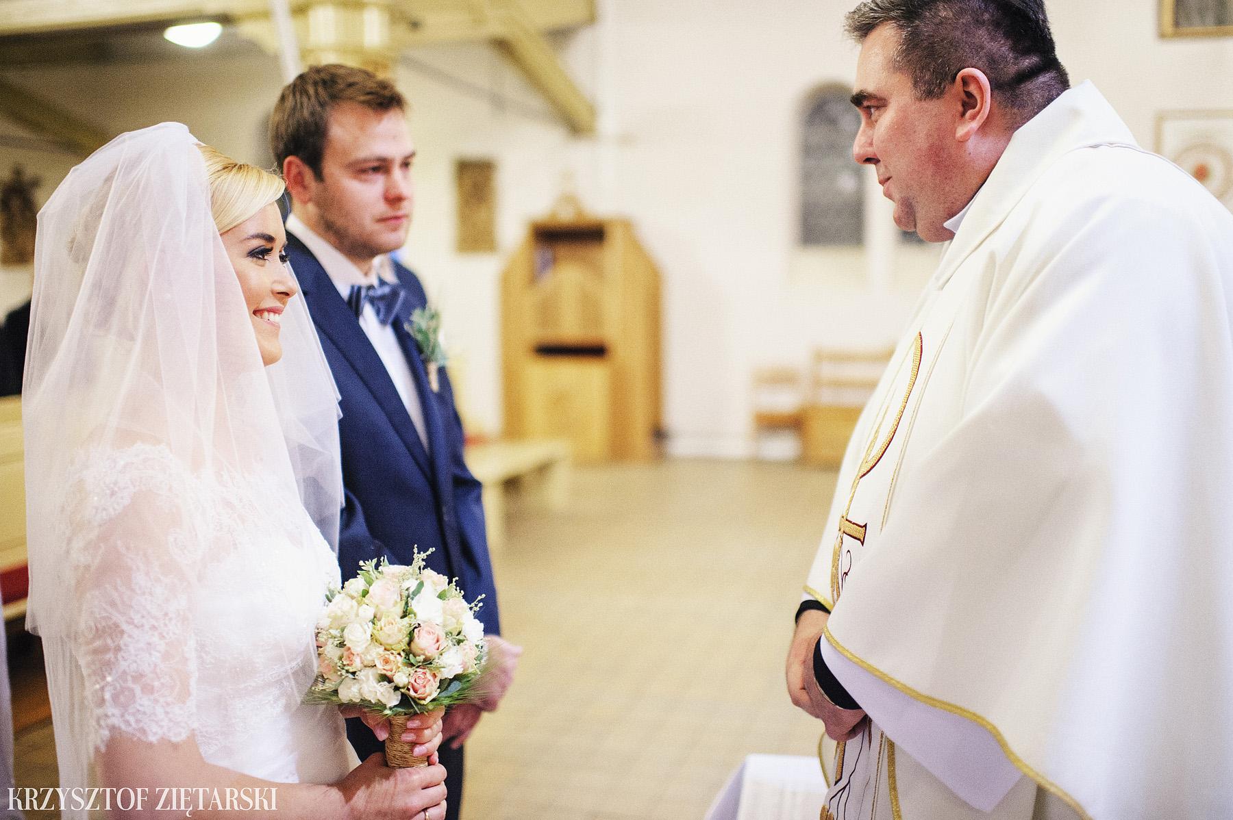 Agnieszka i Jacek - Fotografia ślubna Słupsk, kościół NSJ, wesele Gościniec Młyn Słupski, plener ślubny w Gdyni - 25.