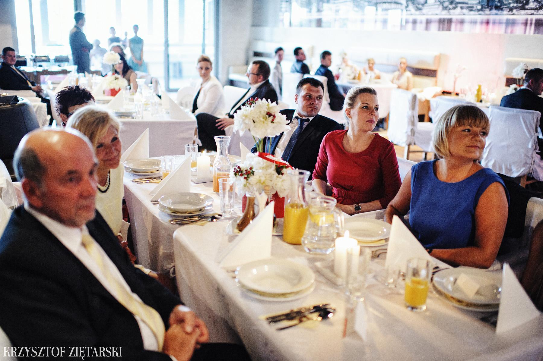 Ola i Grzegorz - Fotografia ślubna Gdynia, Kolegiata NMP, wesele restauracja COCO, plener na Darze Pomorza - 39.