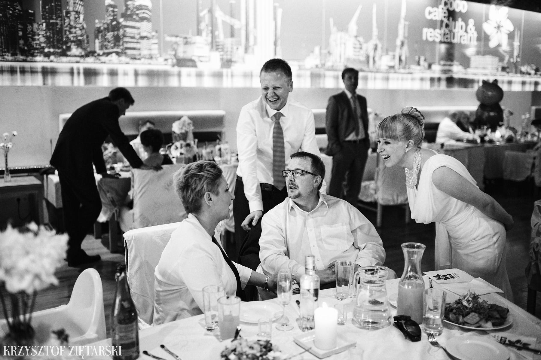 Ola i Grzegorz - Fotografia ślubna Gdynia, Kolegiata NMP, wesele restauracja COCO, plener na Darze Pomorza - 48.