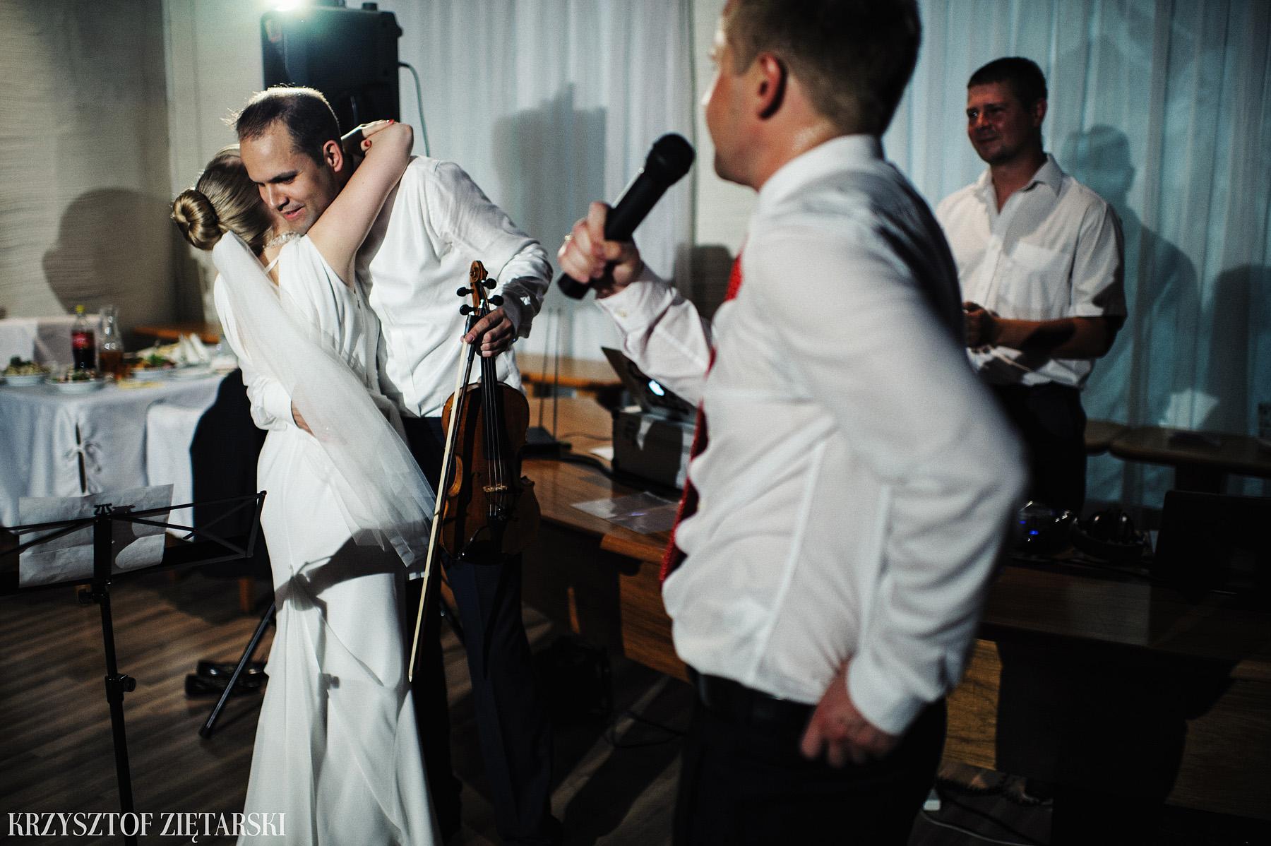 Ola i Grzegorz - Fotografia ślubna Gdynia, Kolegiata NMP, wesele restauracja COCO, plener na Darze Pomorza - 63.