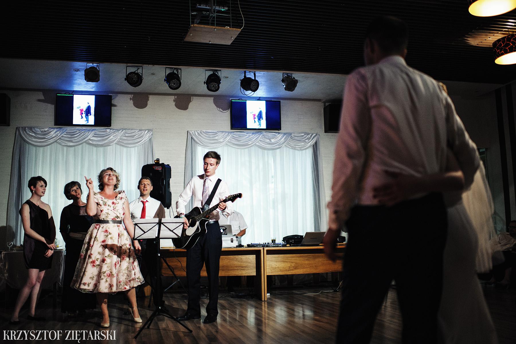 Ola i Grzegorz - Fotografia ślubna Gdynia, Kolegiata NMP, wesele restauracja COCO, plener na Darze Pomorza - 72.