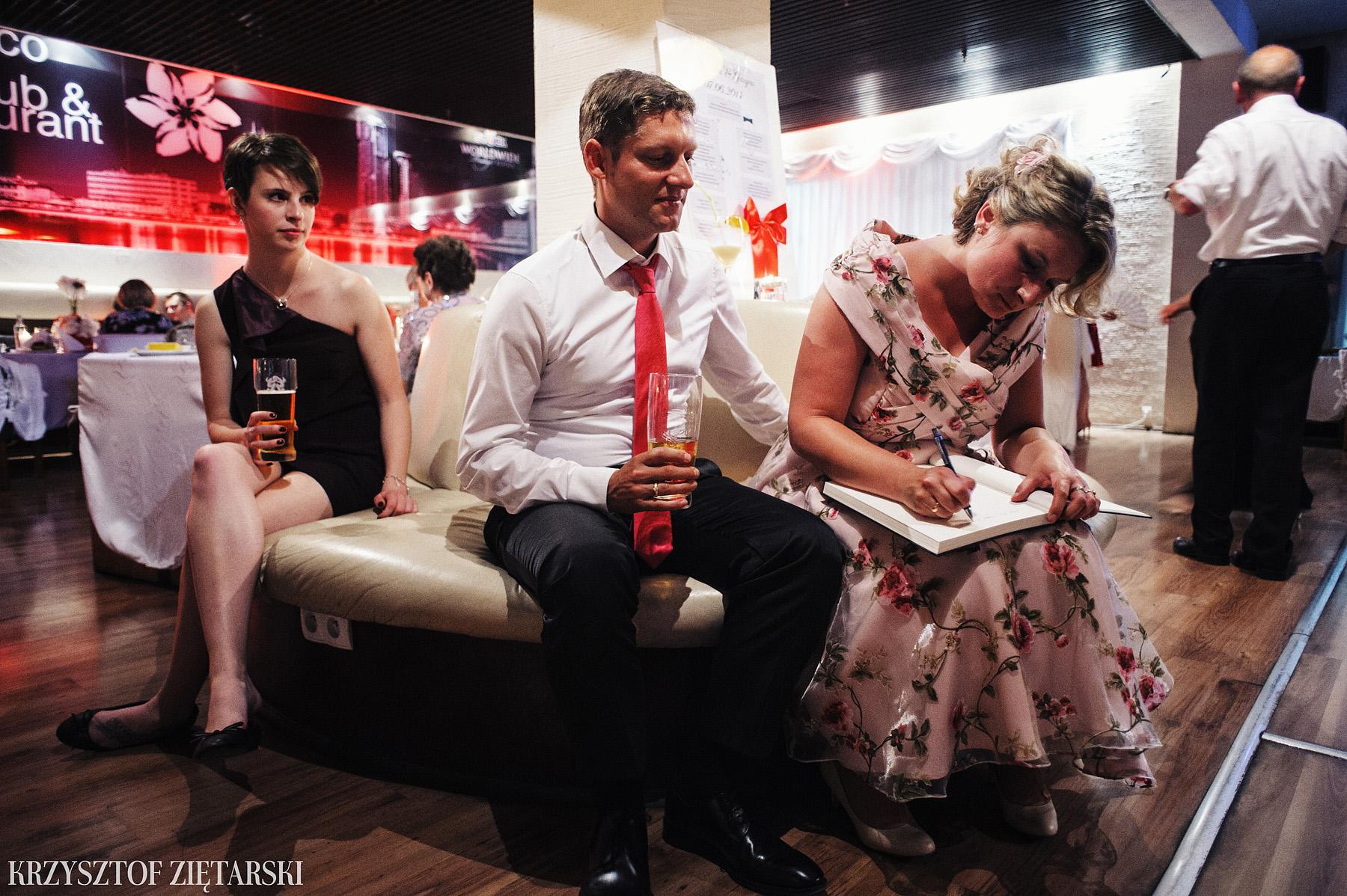 Ola i Grzegorz - Fotografia ślubna Gdynia, Kolegiata NMP, wesele restauracja COCO, plener na Darze Pomorza - 75.