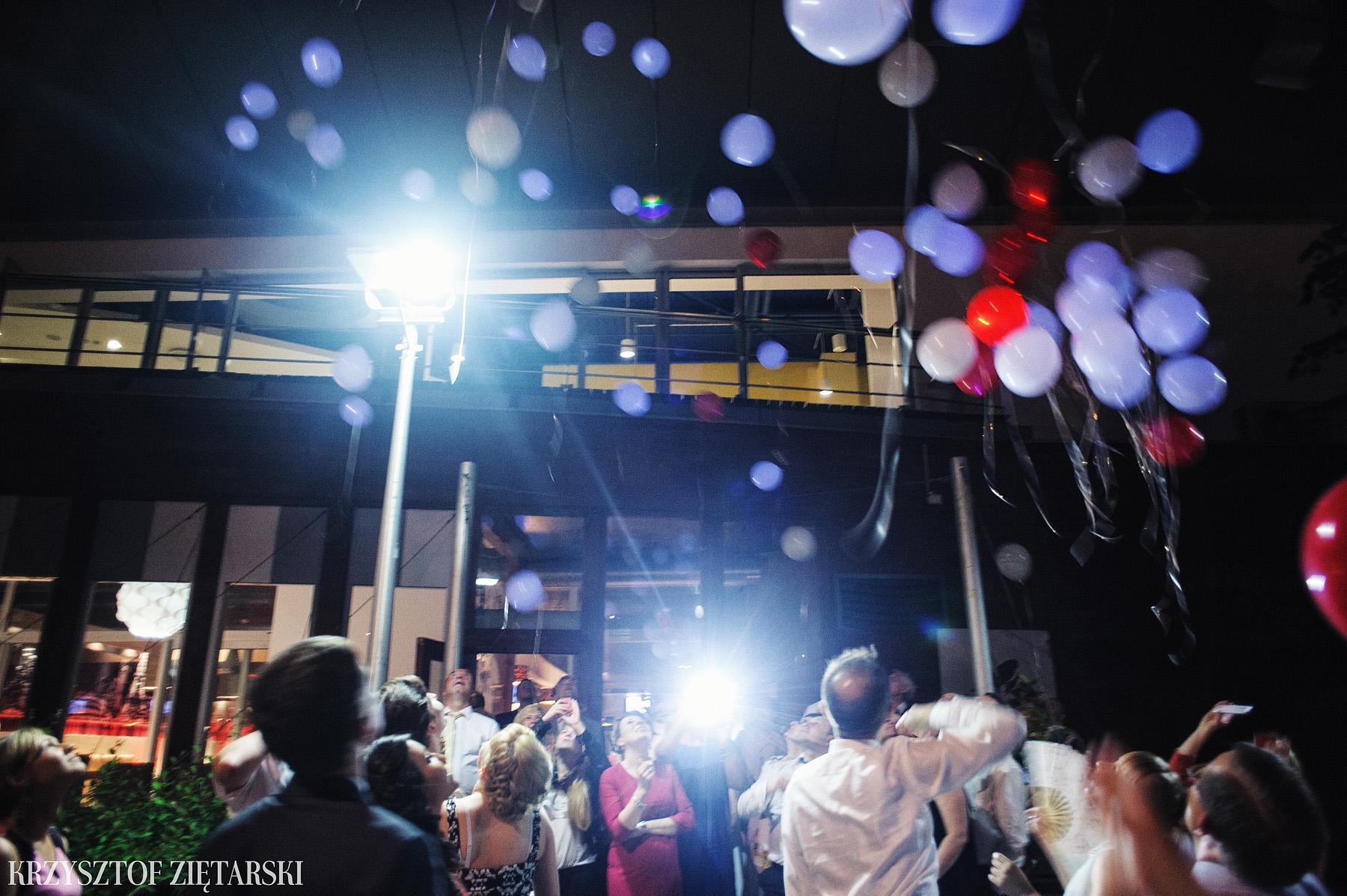 Ola i Grzegorz - Fotografia ślubna Gdynia, Kolegiata NMP, wesele restauracja COCO, plener na Darze Pomorza - 77.
