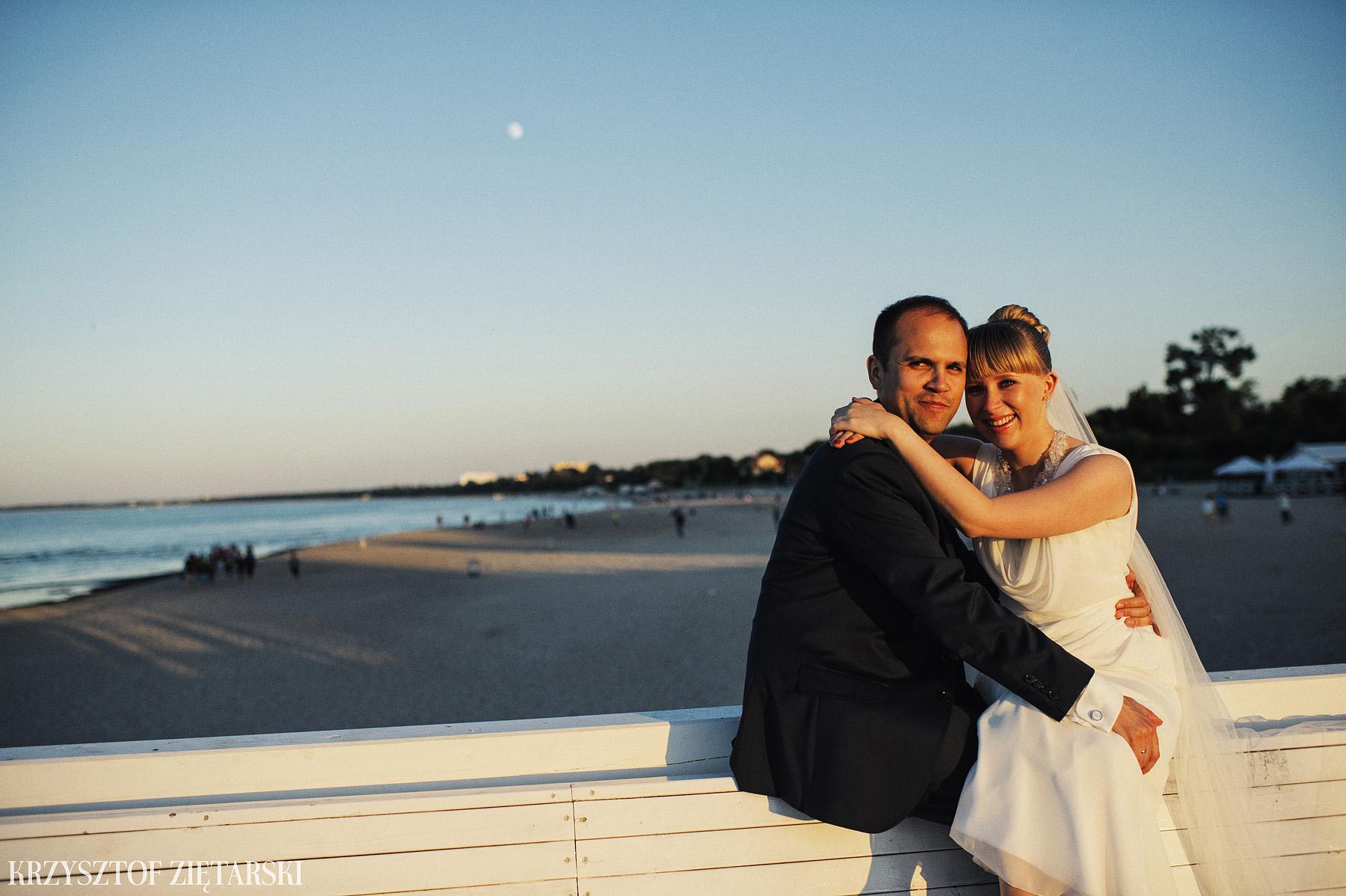 Ola i Grzegorz - Fotografia ślubna Gdynia, Kolegiata NMP, wesele restauracja COCO, plener na Darze Pomorza - 92.