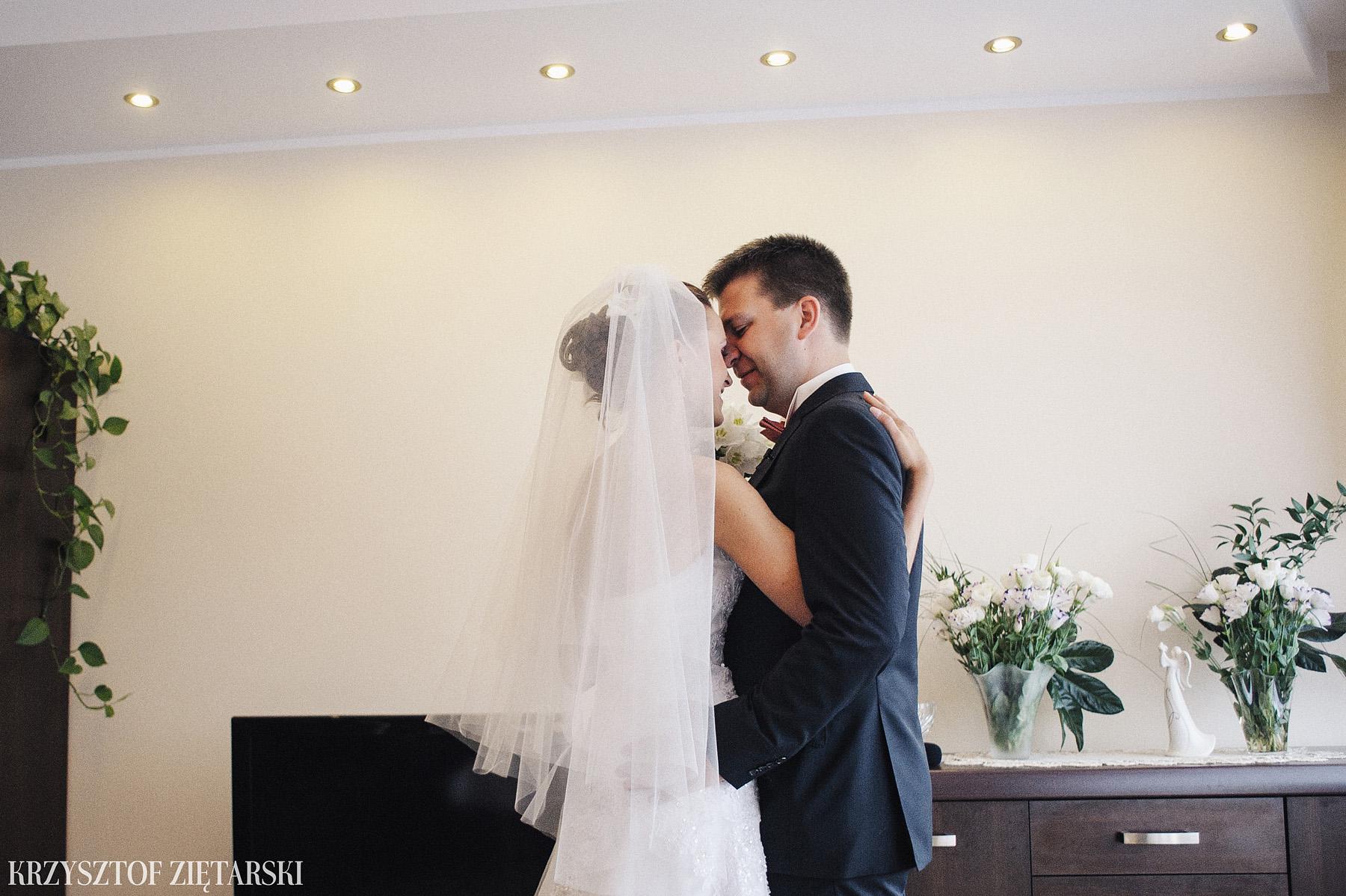 Karolina i Jacek - Fotografia ślubna Gdańsk, Chwaszczyno, Gościniec dla Przyjaciół Wyczechowo Hilary - 2.