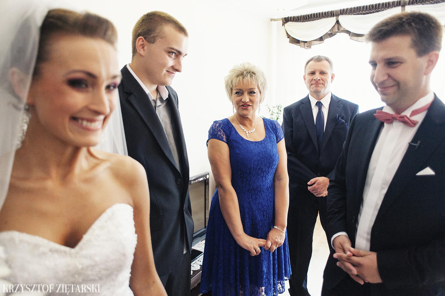 Karolina i Jacek - Fotografia ślubna Gdańsk, Chwaszczyno, Gościniec dla Przyjaciół Wyczechowo Hilary - 4.