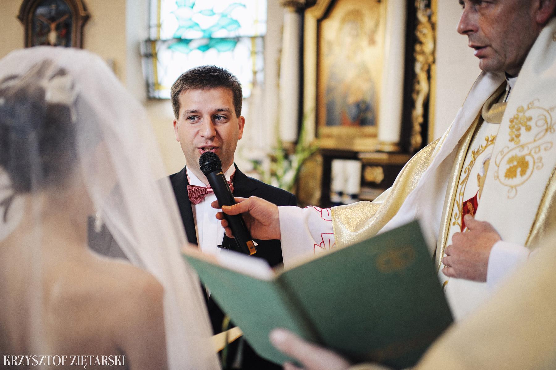 Karolina i Jacek - Fotografia ślubna Gdańsk, Chwaszczyno, Gościniec dla Przyjaciół Wyczechowo Hilary - 11.