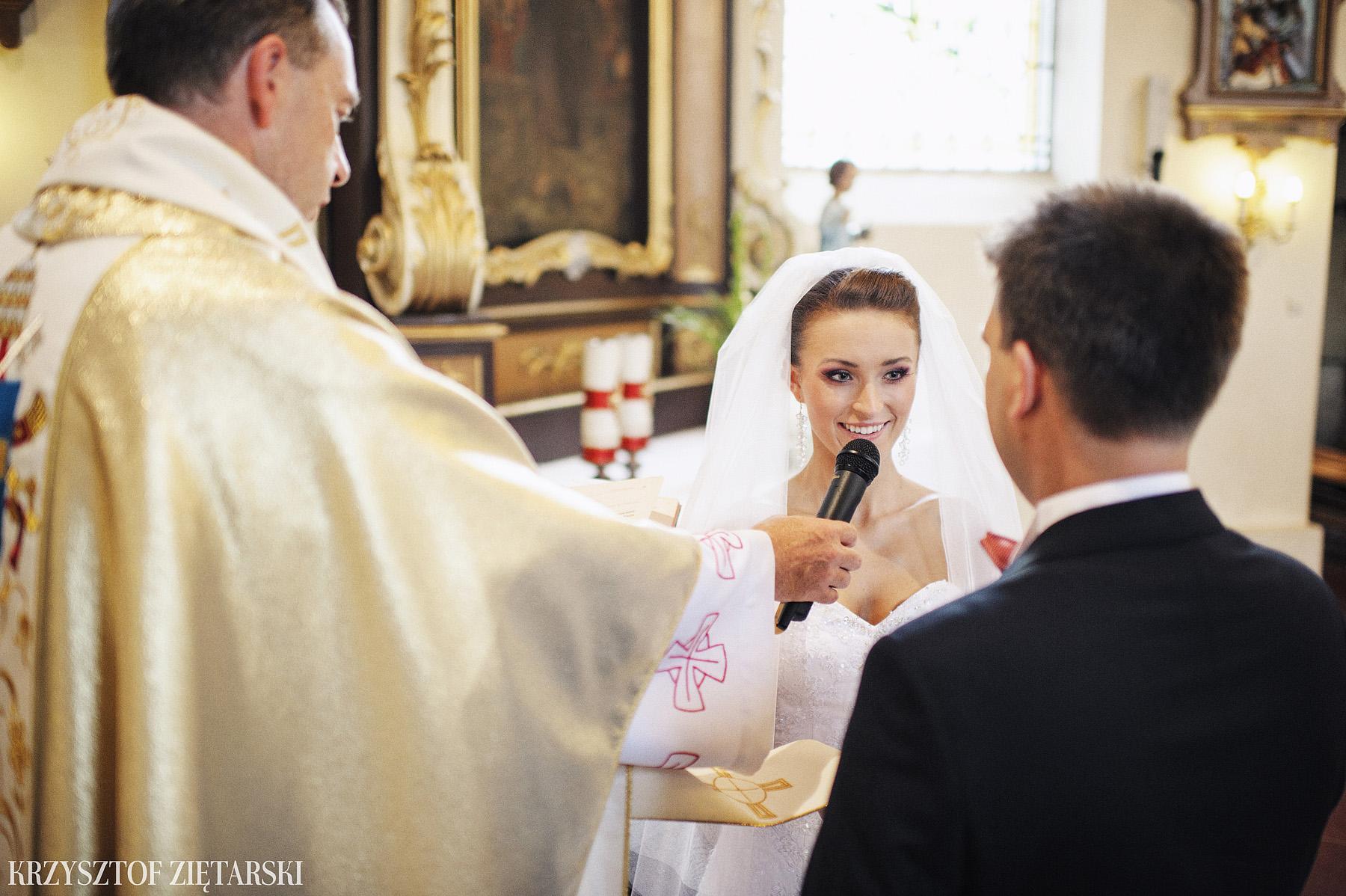 Karolina i Jacek - Fotografia ślubna Gdańsk, Chwaszczyno, Gościniec dla Przyjaciół Wyczechowo Hilary - 12.