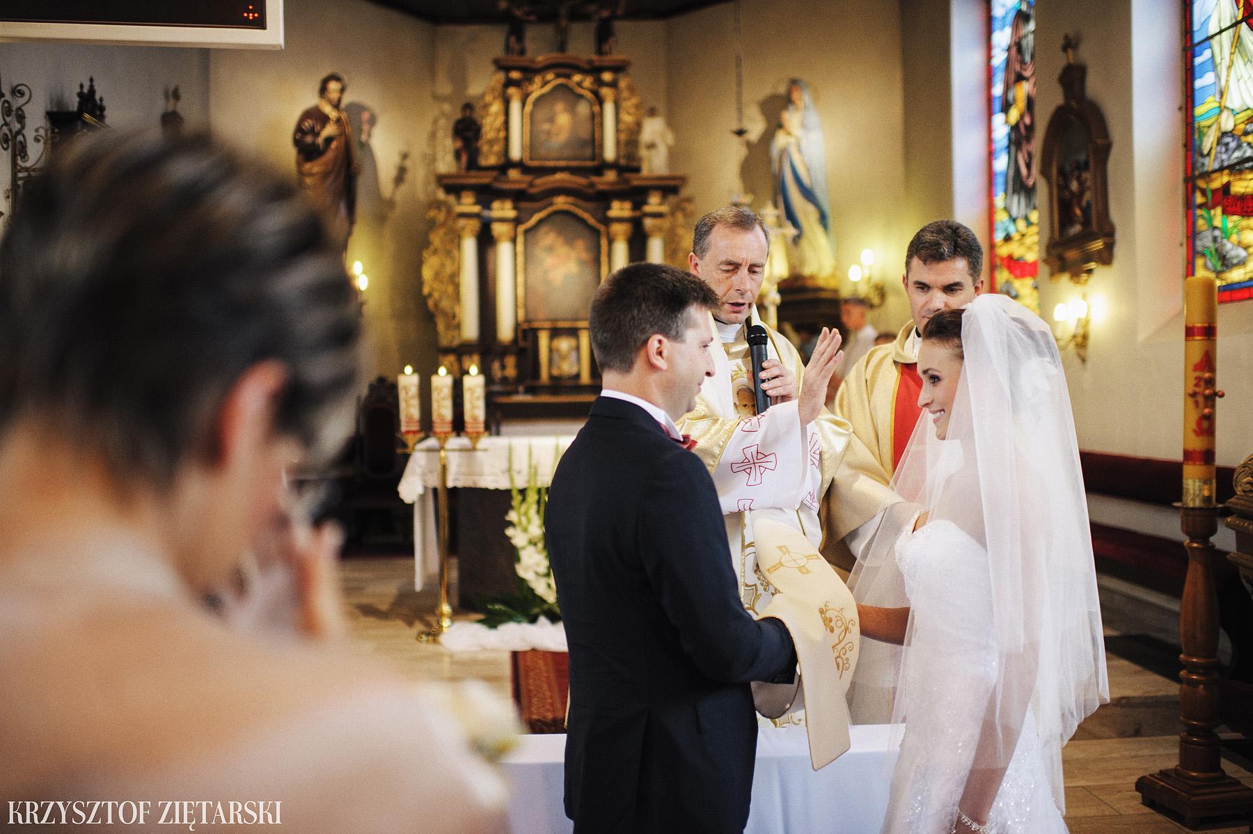 Karolina i Jacek - Fotografia ślubna Gdańsk, Chwaszczyno, Gościniec dla Przyjaciół Wyczechowo Hilary - 13.