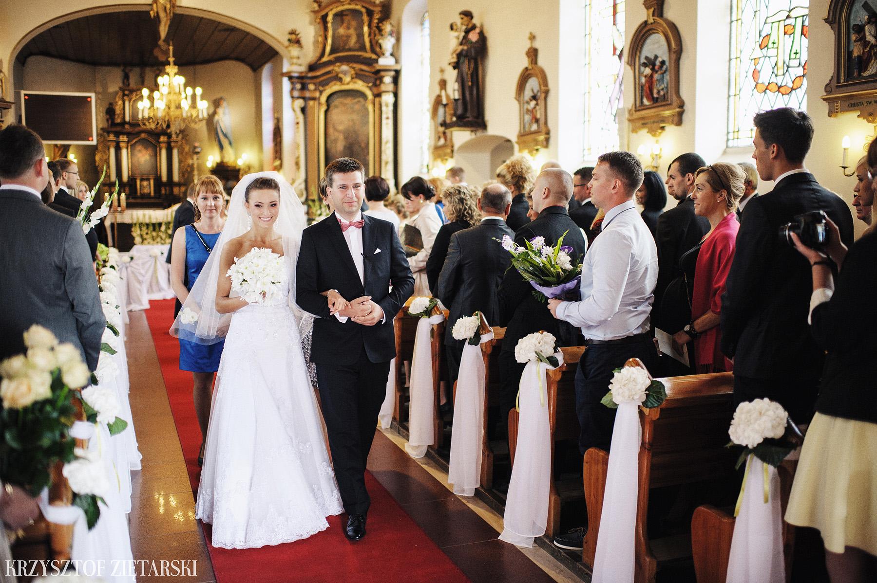 Karolina i Jacek - Fotografia ślubna Gdańsk, Chwaszczyno, Gościniec dla Przyjaciół Wyczechowo Hilary - 15.