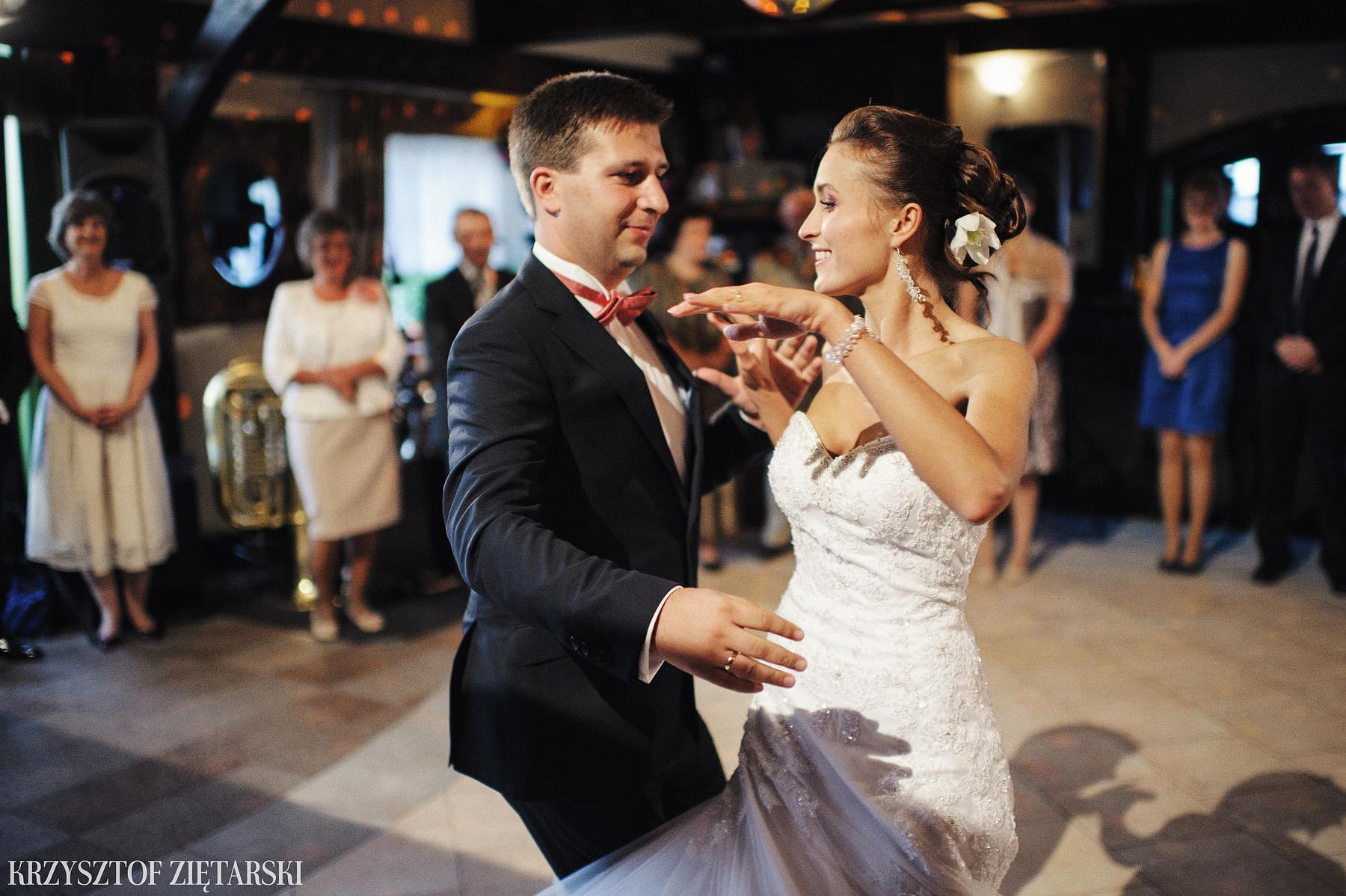 Karolina i Jacek - Fotografia ślubna Gdańsk, Chwaszczyno, Gościniec dla Przyjaciół Wyczechowo Hilary - 25.