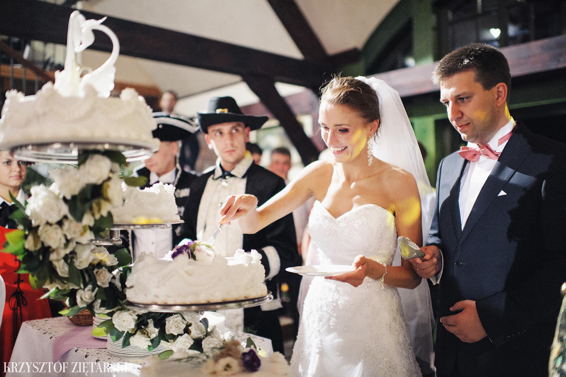 Karolina i Jacek - Fotografia ślubna Gdańsk, Chwaszczyno, Gościniec dla Przyjaciół Wyczechowo Hilary - 44.