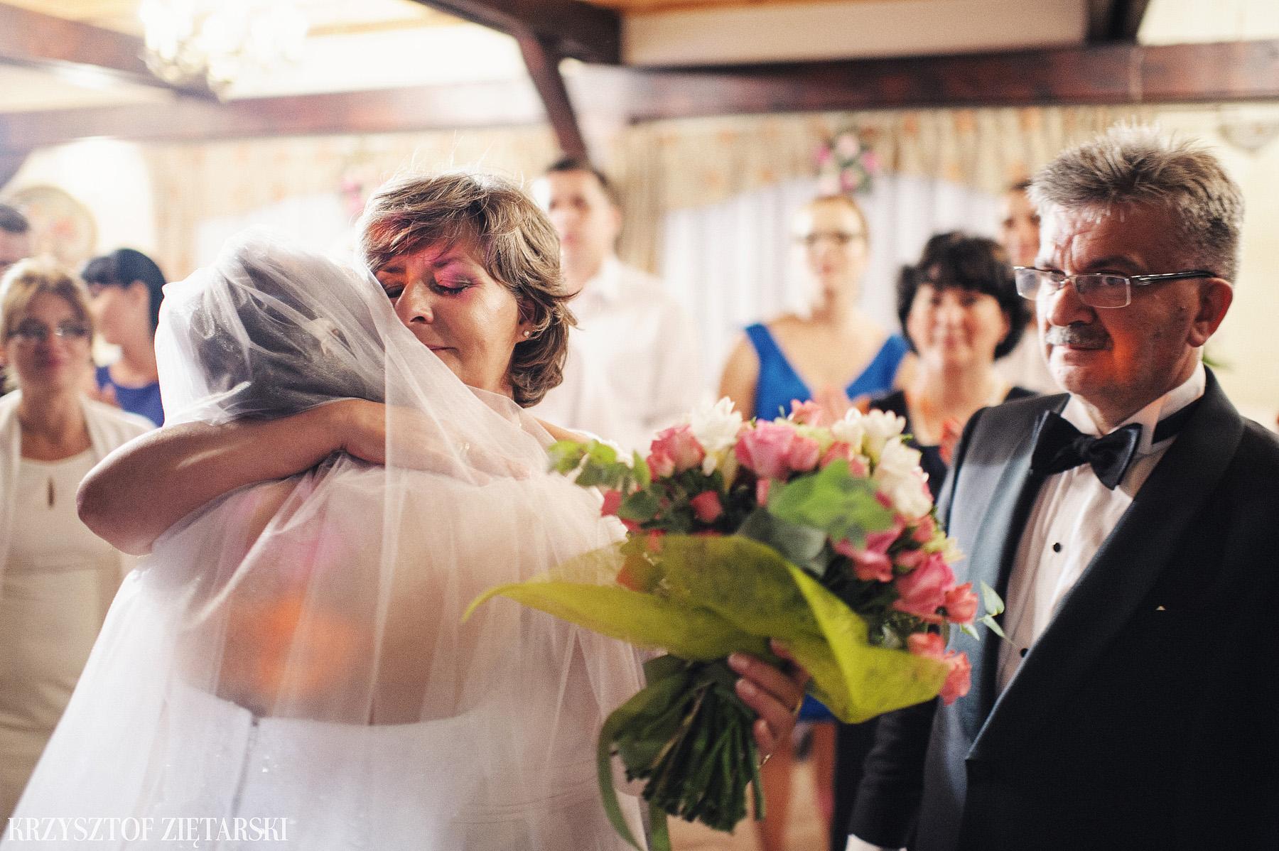 Karolina i Jacek - Fotografia ślubna Gdańsk, Chwaszczyno, Gościniec dla Przyjaciół Wyczechowo Hilary - 54.