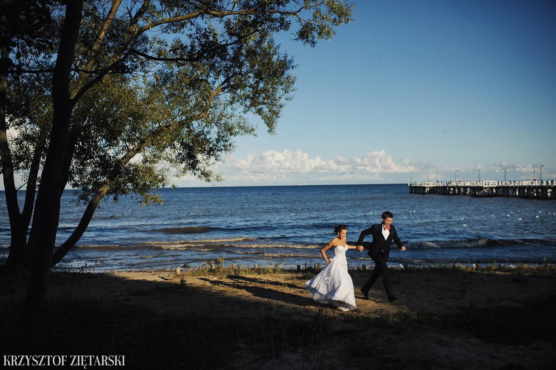 Karolina i Jacek - Fotografia ślubna Gdańsk, Chwaszczyno, Gościniec dla Przyjaciół Wyczechowo Hilary - 69.