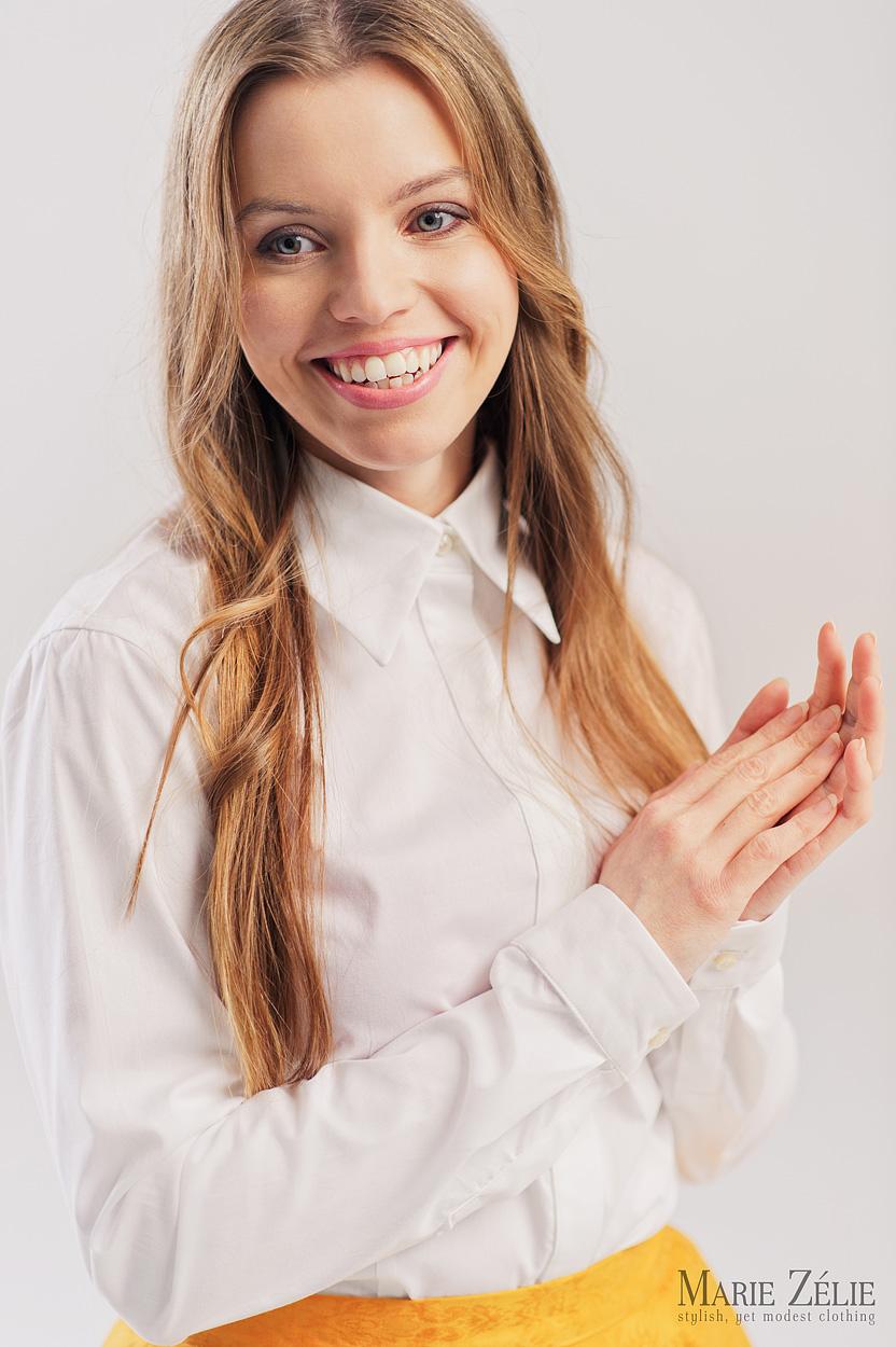 Damska biała koszula z krytą plisą - Marie Zélie